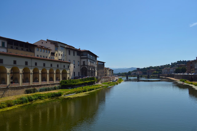 River Arno in Florence / Firenze captured from il Ponte Vecchio