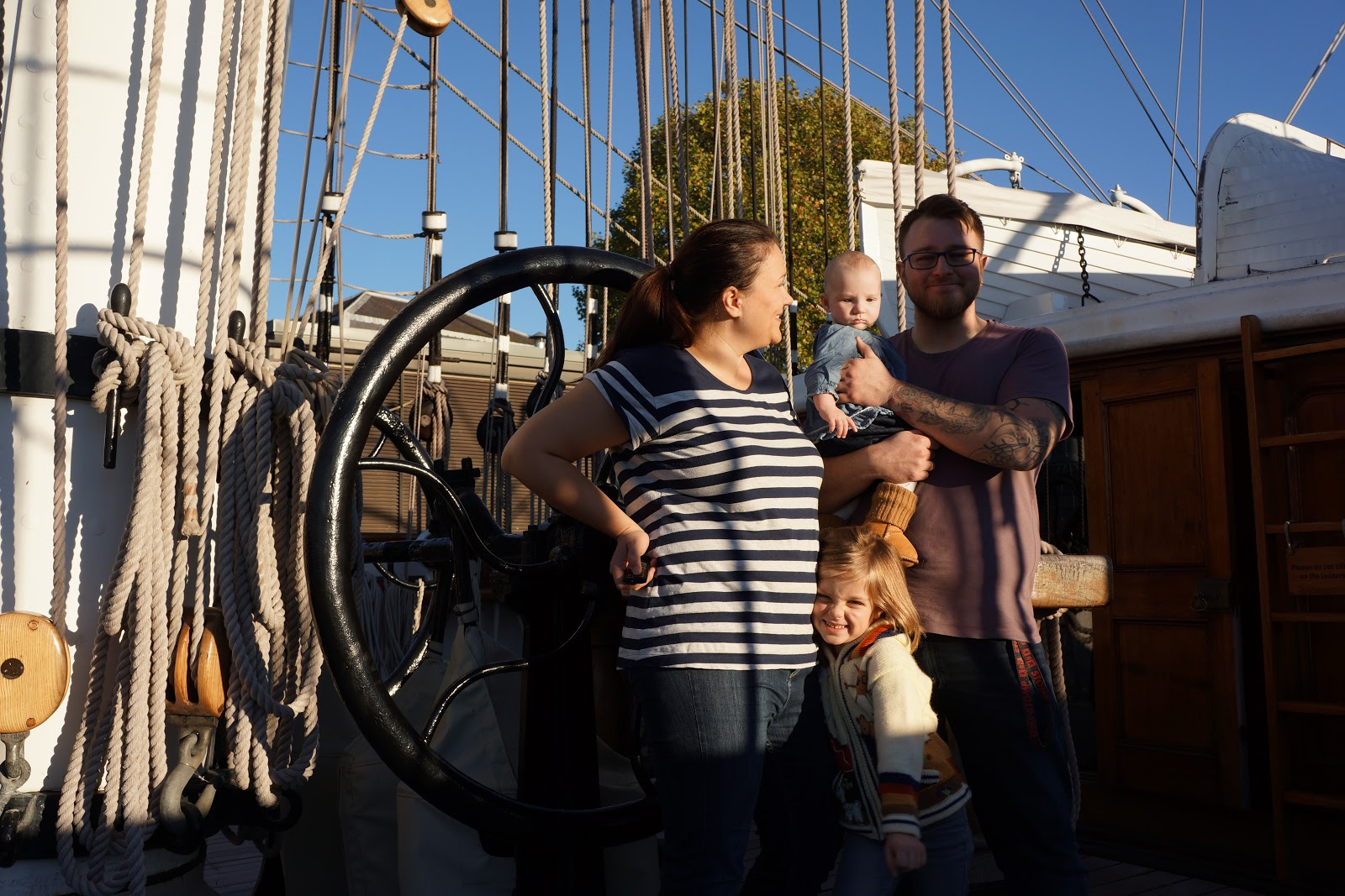 family on the deck of cutty sark
