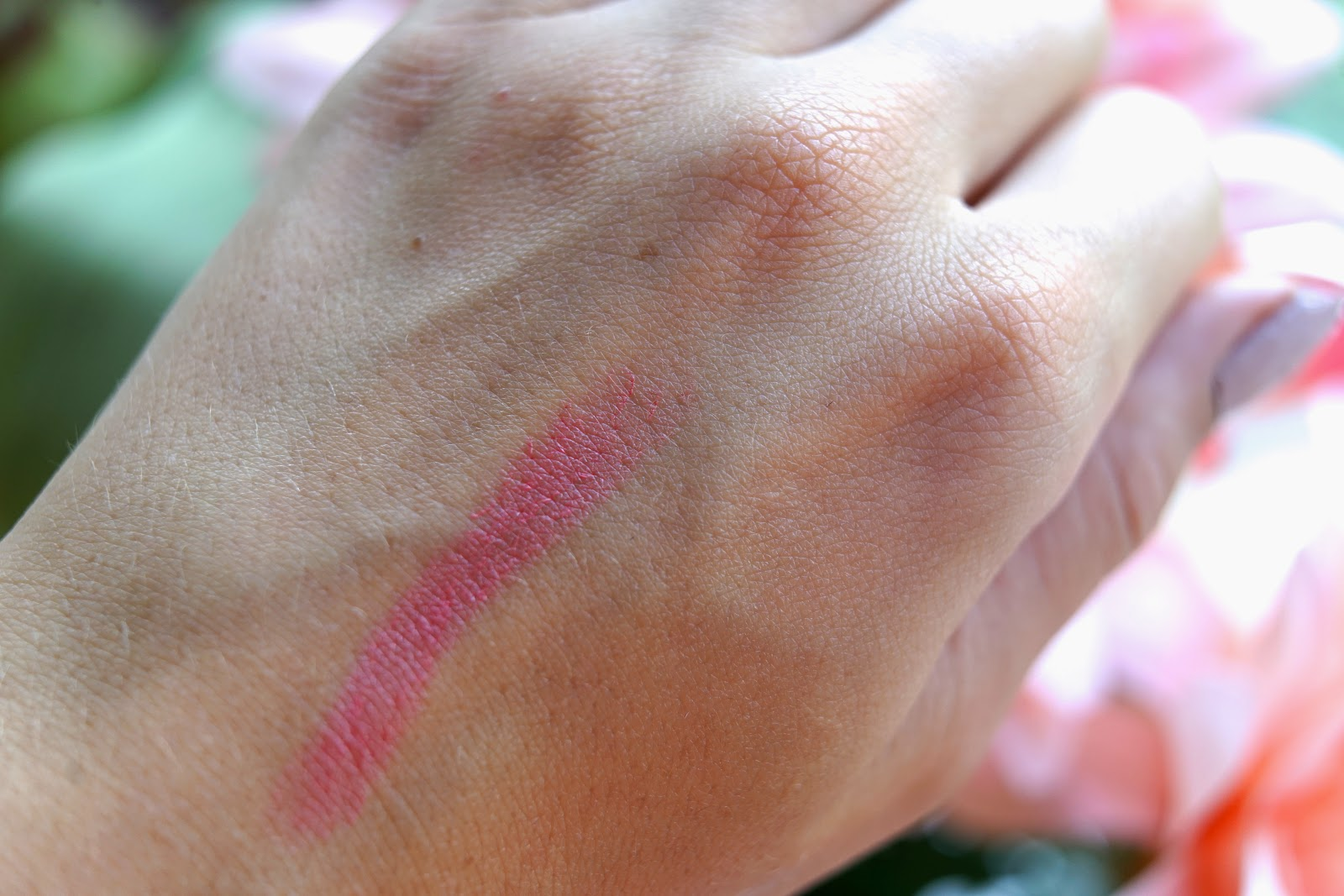 clinique chubby stick in robust rhubard swatch