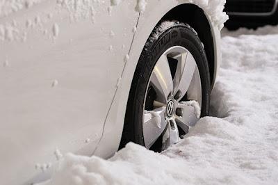 wheels, rims, car stuck, no way out