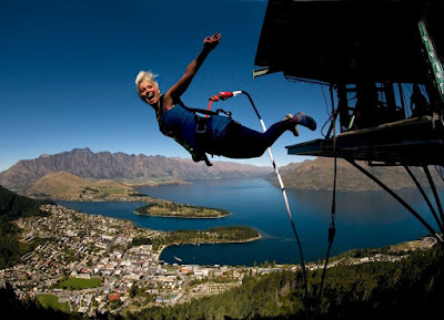 Bungy Jumping Queens-town New Zealand
