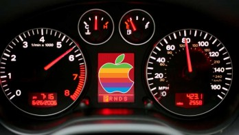 Apple Siri button will be available with better cheaper and faster on Car's cockpit
