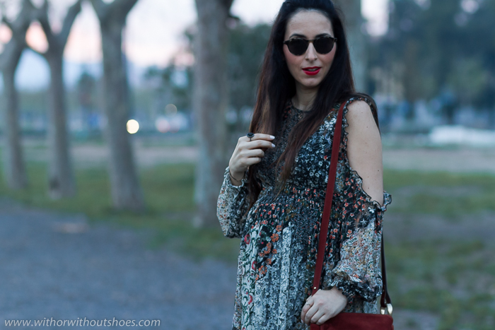 Blogger española influencer Top moda femenina Look para embarazada estilo boho