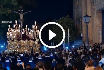 Entrada del Cristo de la Sed el Miércoles Santo en la Semana Santa de Sevilla 2017 en la Iglesia Parroquial de la Concepción Inmaculada en el Barrio de Nervión junto al Estadio Sánchez Pizjuán