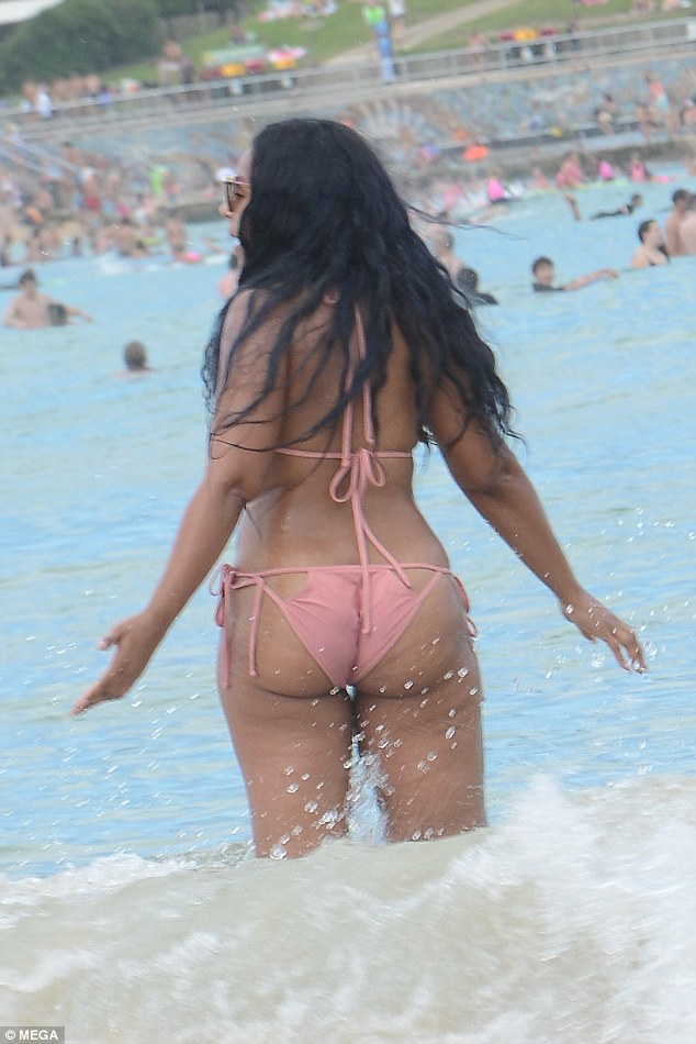 Ashanti Proudly Flaunts Her Stretch Marks As She Hits -3917