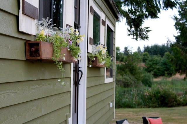 Vintage Tiny House by Tiny Heirloom