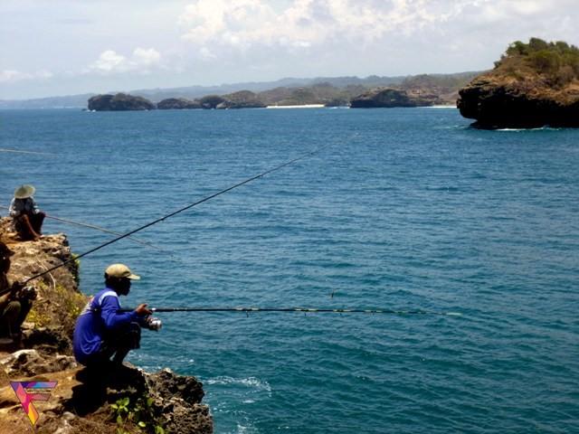 Image result for pantai kesirat rock fishing