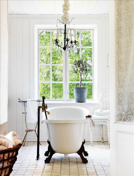 Natural modern interiors how to decorate the shabby - Shabby chic interior design ...