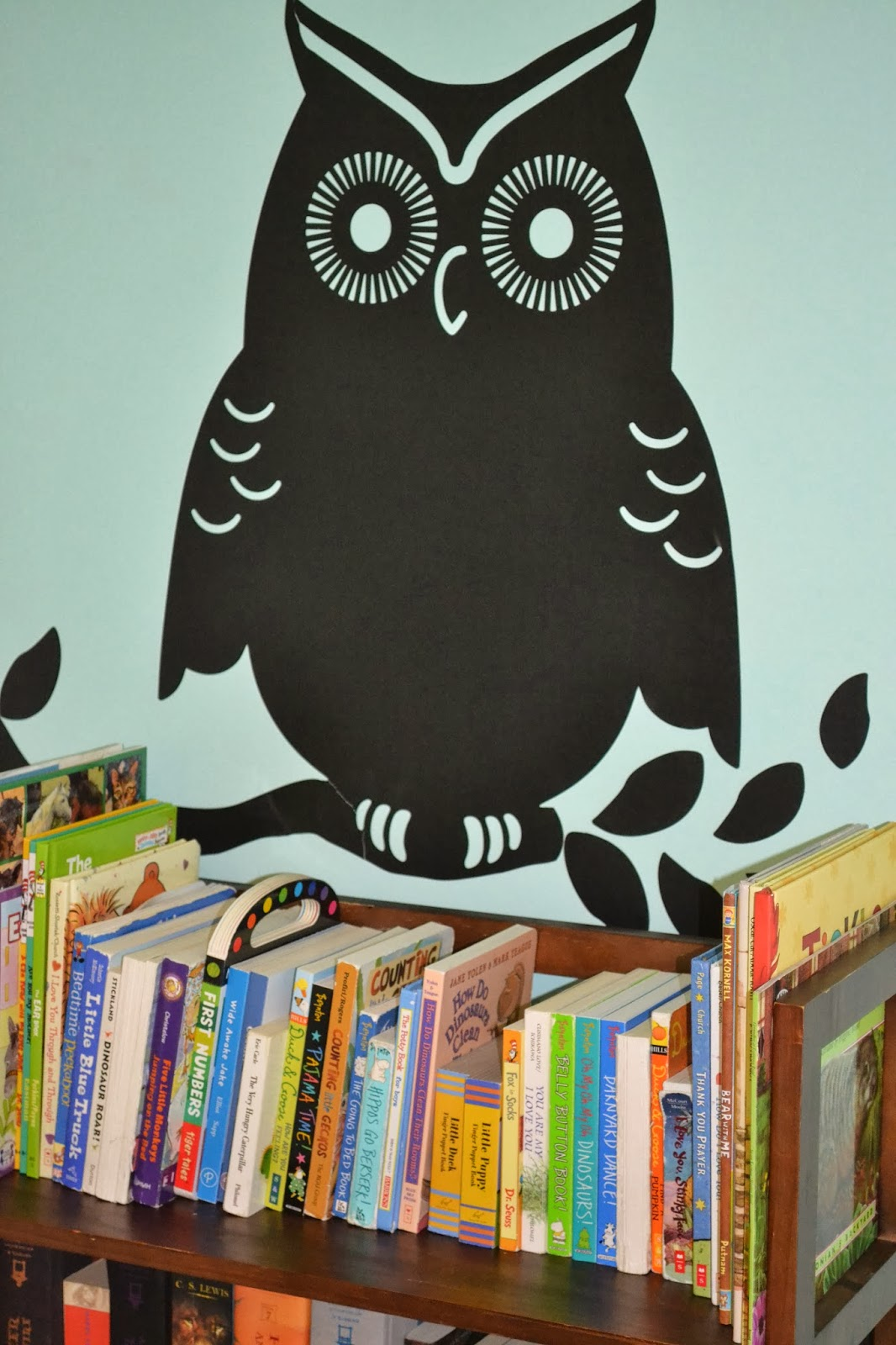 the owl wall decal in my diy nursery makeover