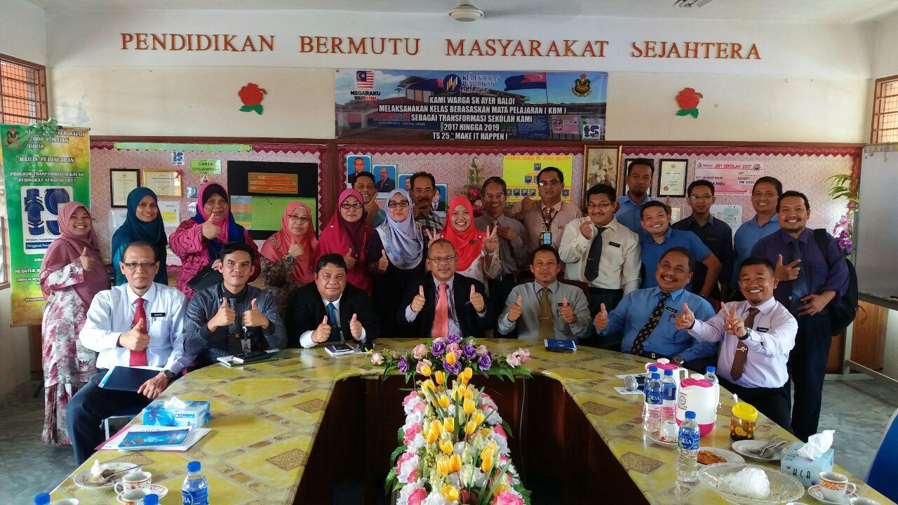 Lawatan Bimbingan TS25 Oleh Pengarah Pendidikan Negeri Johor
