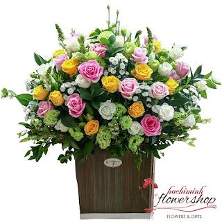 Send mixed flower arrangement to HCMC