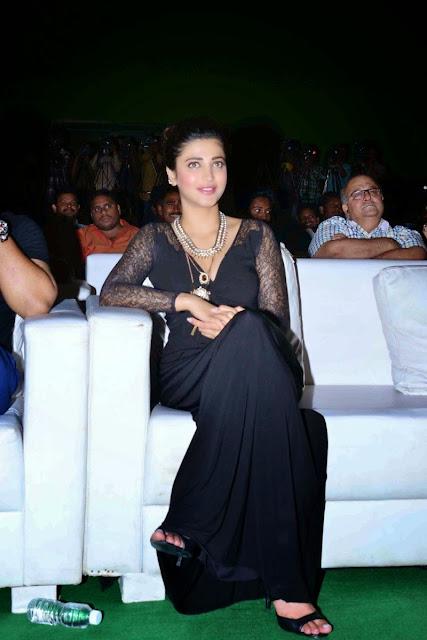 Bollywood Actress Shruti Haasan Hot image gallery in Black Dress