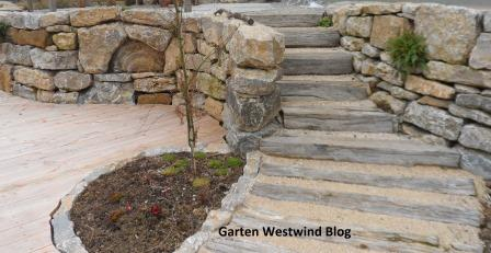 garten westwind ein kleiner familiengarten trockenmauer aus muschelkalk. Black Bedroom Furniture Sets. Home Design Ideas