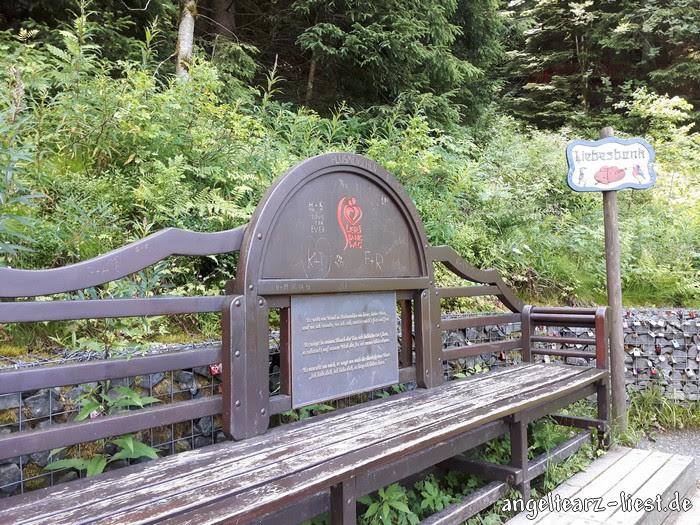 Liebesbank am Liebesbankweg im Harz