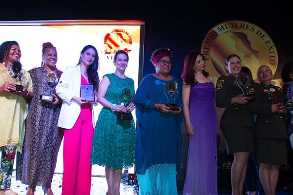 Ganadoras-Mujeres-de-Éxito-2017