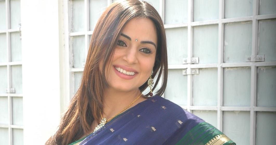 Telugu Actress Jyothi In Blue Salwar: Actress Shraddha Arya In Blue Saree With Green Blouse