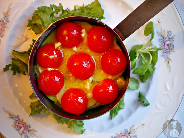 Tartar de tomates, pepino y aguacate con sardinitas: Añadido del aderezo