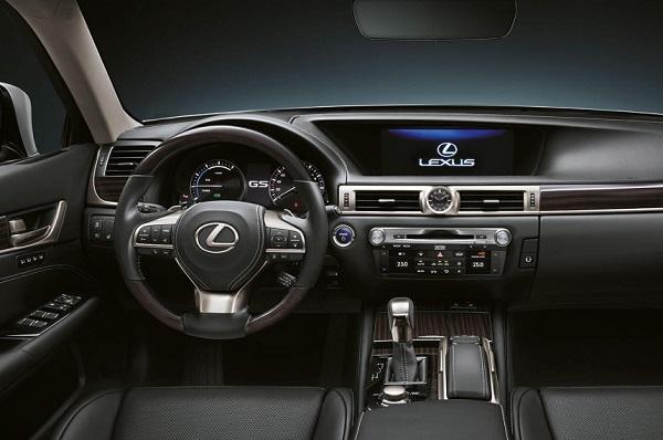 Interior Lexus GS 450h F-Sport