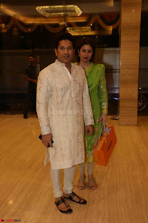 Sachin Tendulkar with his wife at Mata ka Jagrata hosted by Anu Malik 17.JPG