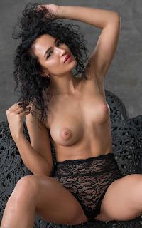 青少年的裸体女孩 - Yulianna-S02-021.jpg