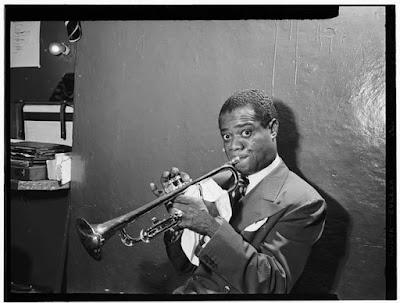 Louis Armstrong foto blanco y negro