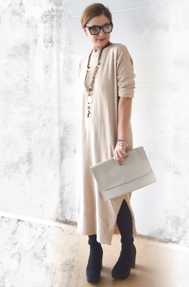 Knitdress in beige