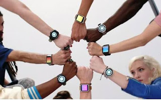 Google Pastikan Rilis 2 Smartwatch di 2017