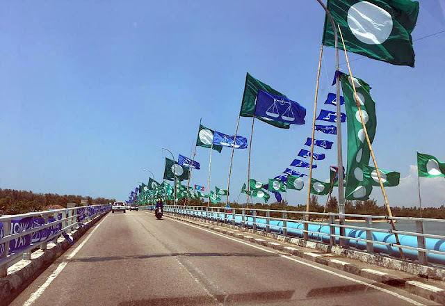 General Election 14 Flags at Kuala Besut Bridge