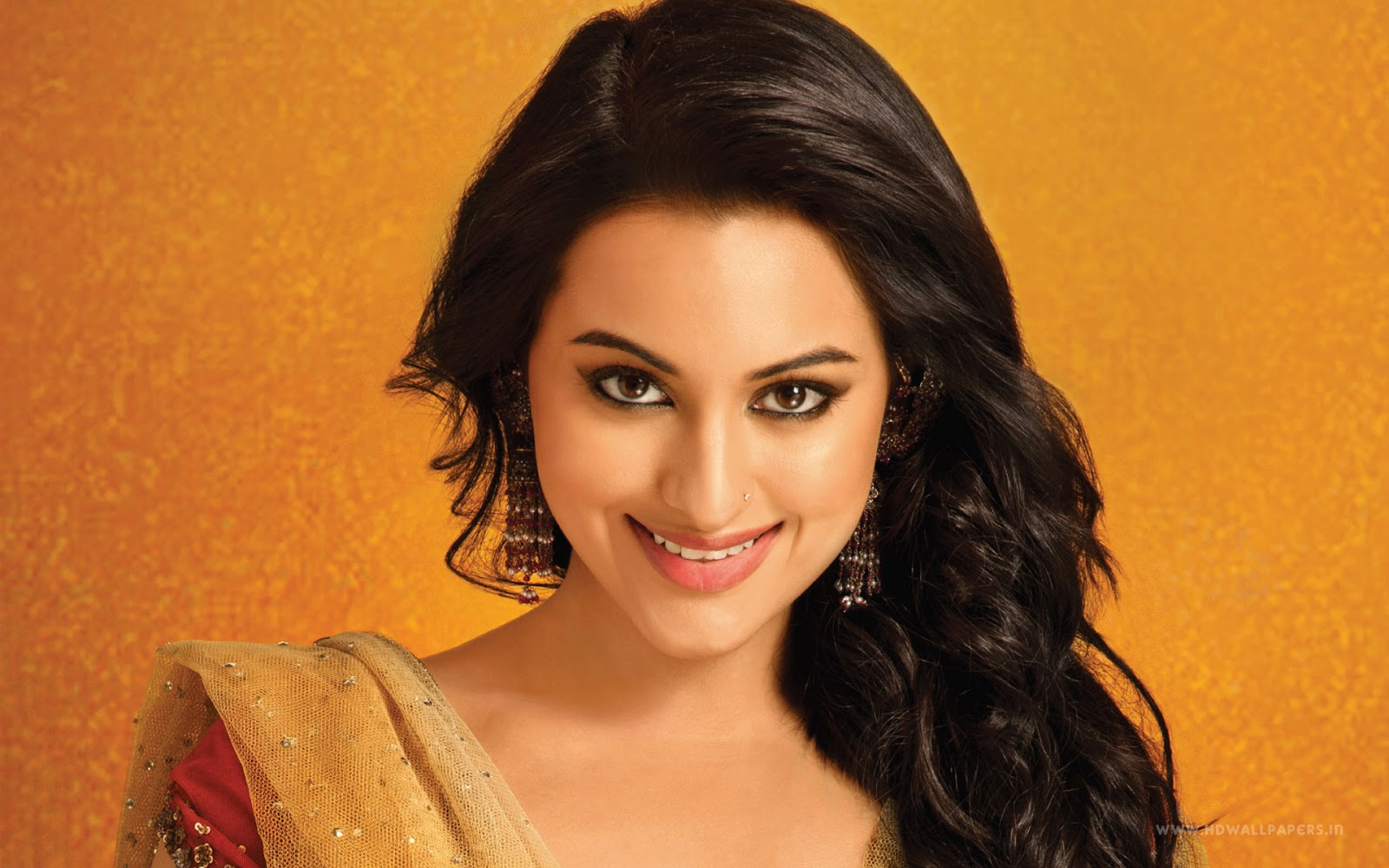 sonakshi sinha 30 best looking photos in hd - indian celebrities hd
