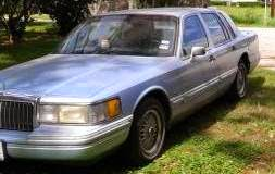 Estate Sale Services 409 750 3688 Roland Dressler 1993 Lincoln