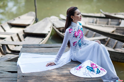 Non La symbolizes Vietnamese beauty and charm