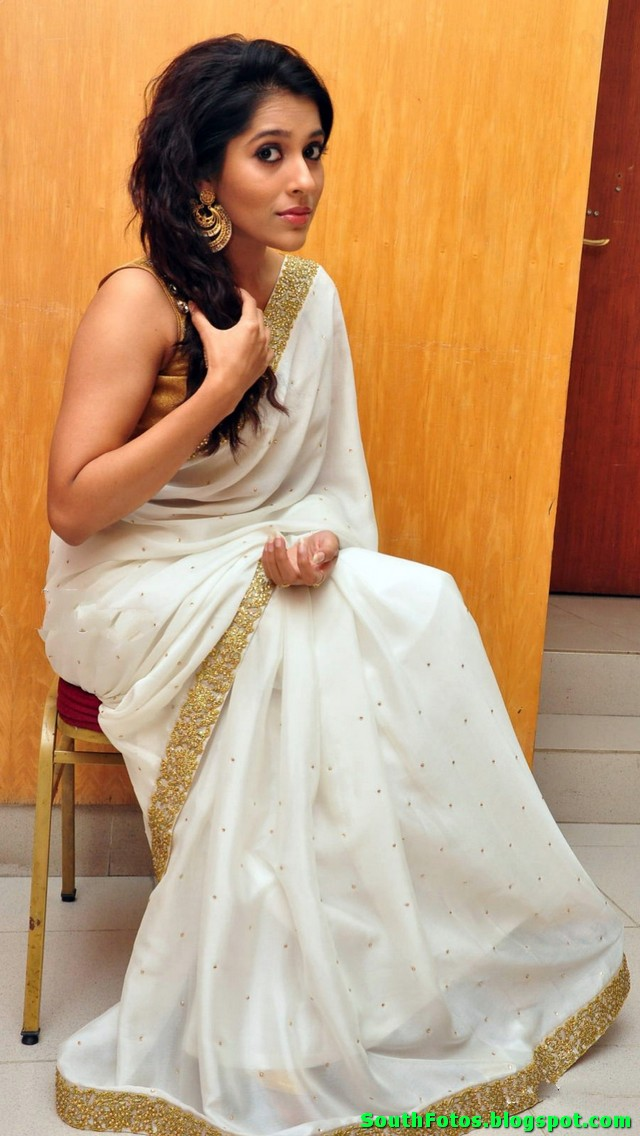 Rashmi Gautam Hot in Saree Wallpaper