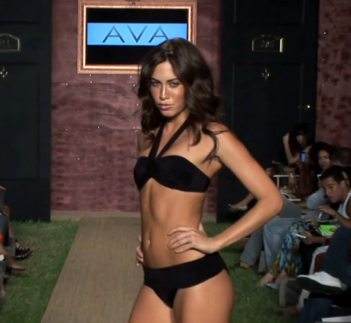 AVA bikini divat 2013 nyár - fekete nyakpántos bikini 2013 9d94c870f5