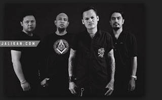 Lirik, video dan MP3 Lagu Karman Beli Lolot Band