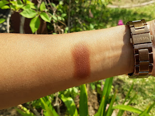 MAC Antiqued Eye Shadow Swatch - Sunlight