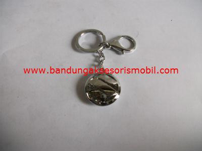 Gantungan Kunci Berlian + Logo Suzuki