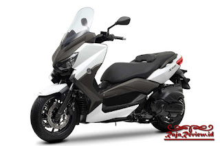Review Yamaha X Max