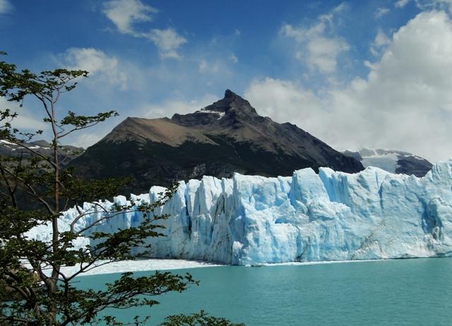 Recorrer el Parque Nacional los Glaciares y Safari nautico en el Perito Moreno
