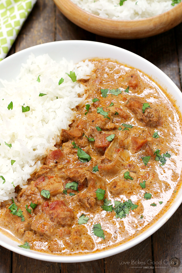 Slow Cooker Chicken Tikka Masala - Chicken slow cooked with the aromatic spices of Indian food. Your favorite Indian dish has never been so easy, thanks to this recipe!