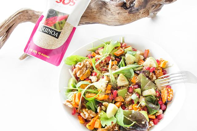 Ensalada templada con crujiente de quinoa