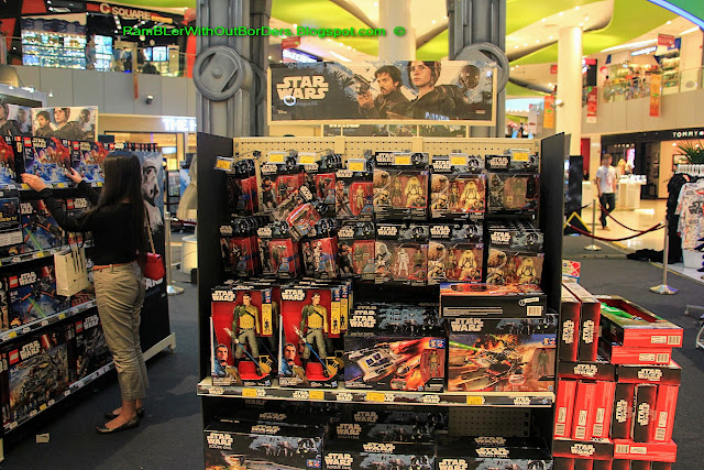 Action figure, toy, Star Wars mechandise, Vivocity, Singapore