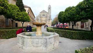 Fuente Renacentista de la Plaza Vázquez Molina.