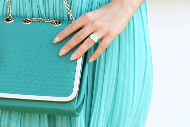 Mint dress,mintpurse,mint ring.