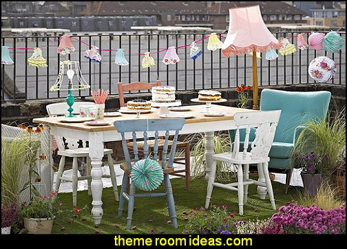 Talking Tables Truly Scrumptious Floral Lampshade Hanging Bunting Garland