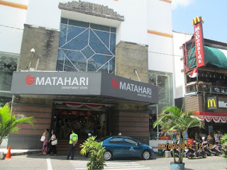 Matahari Mall Bangkrut