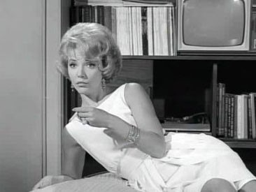 The Twilight Zone - Season 5 Episode 11: A Short Drink from a Certain Fountain