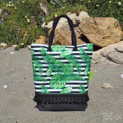 #innywymiarszycia, beach bag, eyelets, monstera, poliester wodoodporny, rope handles, ropes, shoulderbag, stripes, tassels, tropical leaves, vegan bag, vehan leather, washpapa,