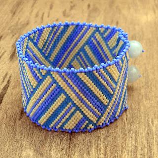 купить широкий женский браслет из бисера ручной работы в интернет магазине