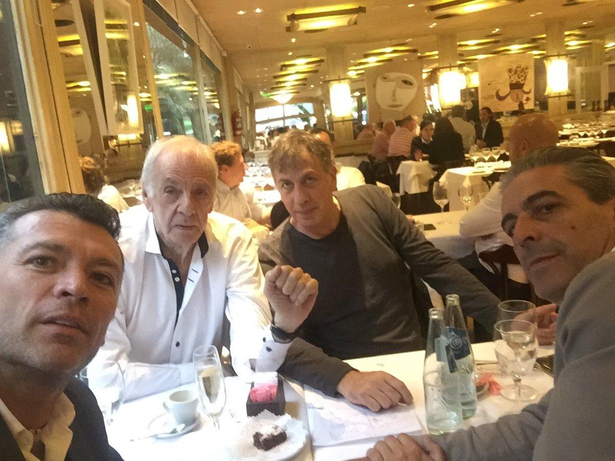 Higuera afirma que frecuenta a Menotti 'para aprender y ser gente de futbol'.