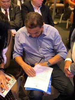 Prefeito Cleomar Tema assina termo de adesão junto a SEDUC